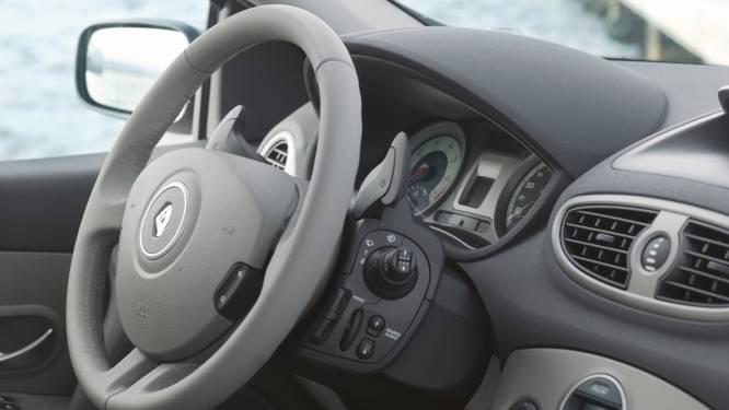 Noord-Franse drugskoerier speelt Renault Clio met kapotte lichten kwijt