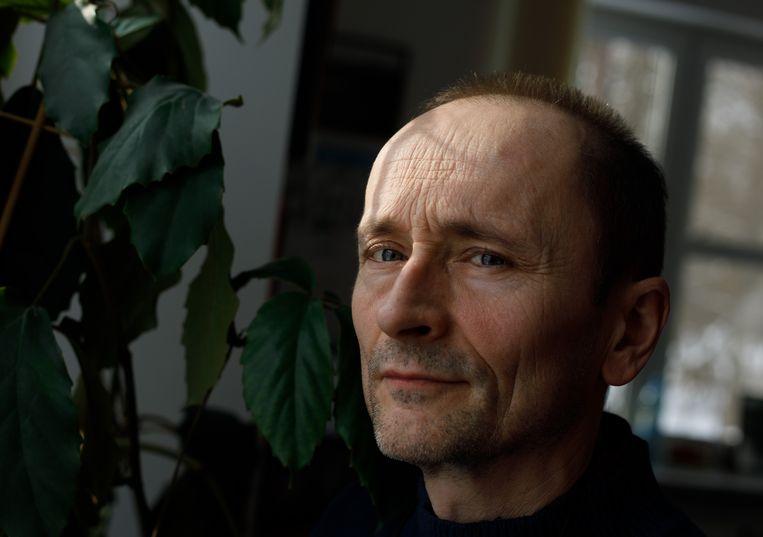 Bioloog Krzysztof Schmidt: 'Het zijn heel sociale dieren. Ze houden van spelen. Maar ze kunnen ook doden.' Beeld Piotr Malecki