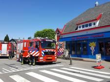 Brand op dak bij Brummens Friethuis