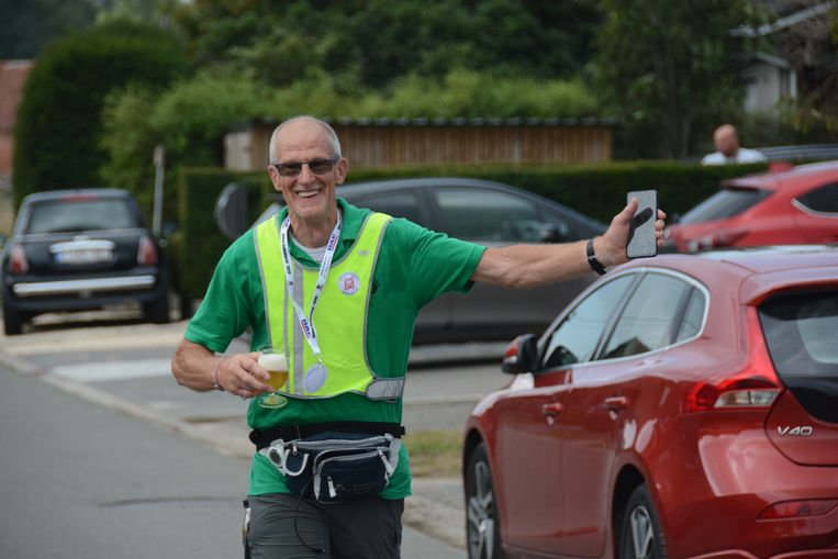 Met een frisse Duvel en de stappenteller in zijn hand kwam Réno Martens zaterdagvoormiddag moe maar tevreden over de eindmeet.