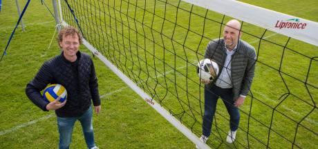 Volleyballers Raalte kunnen eindelijk trainen: op het voetbalveld van Rohda