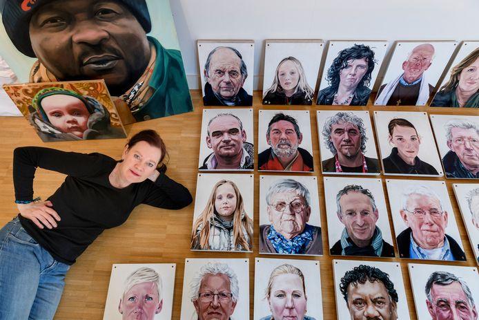 Monique Broekman toont portretten in Museum Slager in Den Bosch.