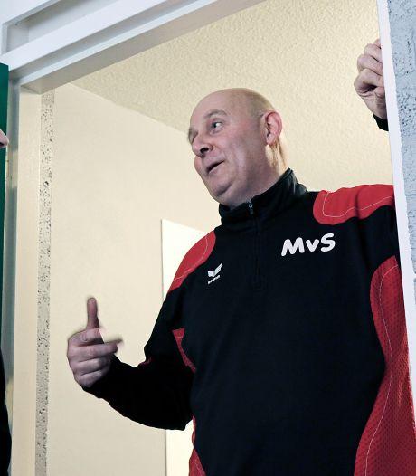 Trainer Maarten van Stiphout blijft vierdeklasser DSV trouw