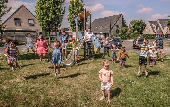 Kuurne stelt wijkspeelpleintjes weer open, en laat jeugdverenigingen opnieuw activiteiten organiseren.