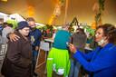 Christoff ging ook plezier op de foto met de cliënten van Zonnestraal