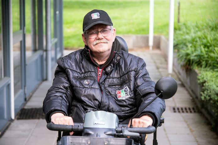 René van den Heuvel kreeg klappen van de ME toen hij het stadion verliet.
