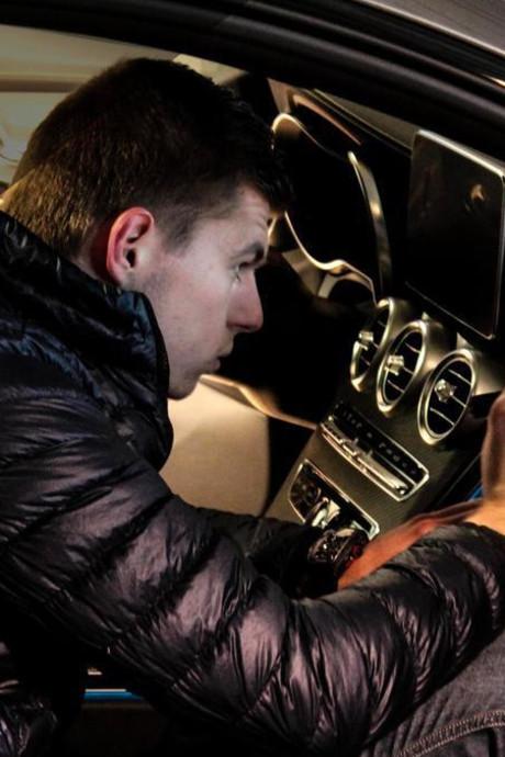 Auto Max Verstappen onder de hamer bij Brabants veilingbedrijf