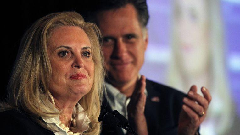 Ann Romney (voorgrond) en haar echtgenoot Mitt. Beeld ap