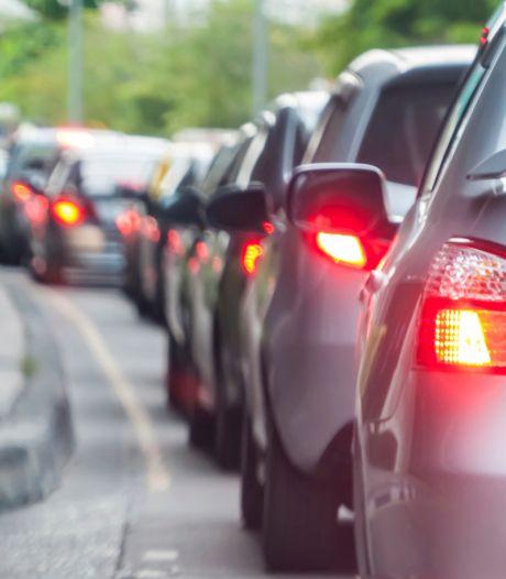 A27 bij Oosterhout weer open na ongeluk met meerdere voertuigen