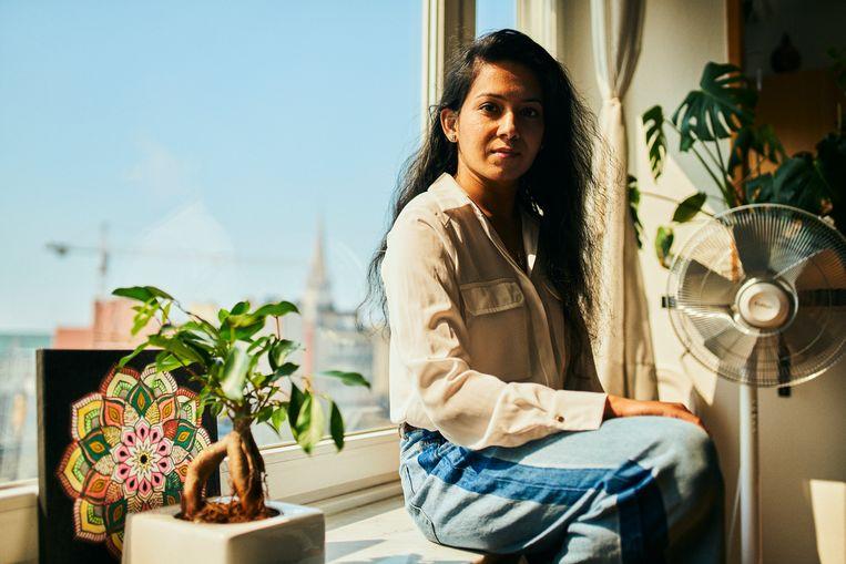 Nikita Singla van de Antwerpse dansacademie Bolly Fit heeft één raad voor haar ouders in India: 'Ga niet naar buiten.'  Beeld Thomas Nolf