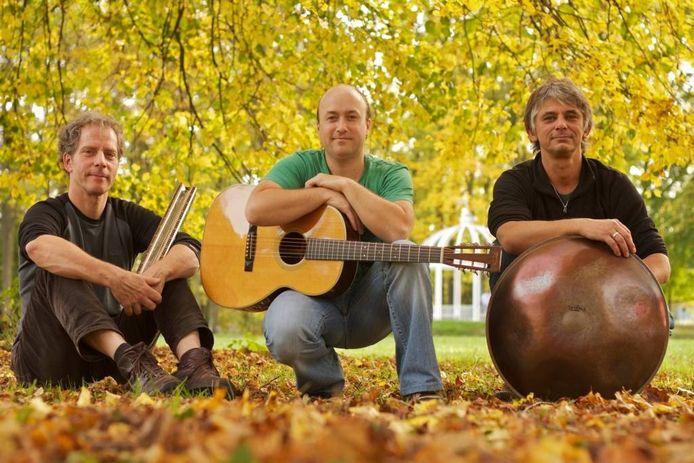 Arnaldo Lopez met trio
