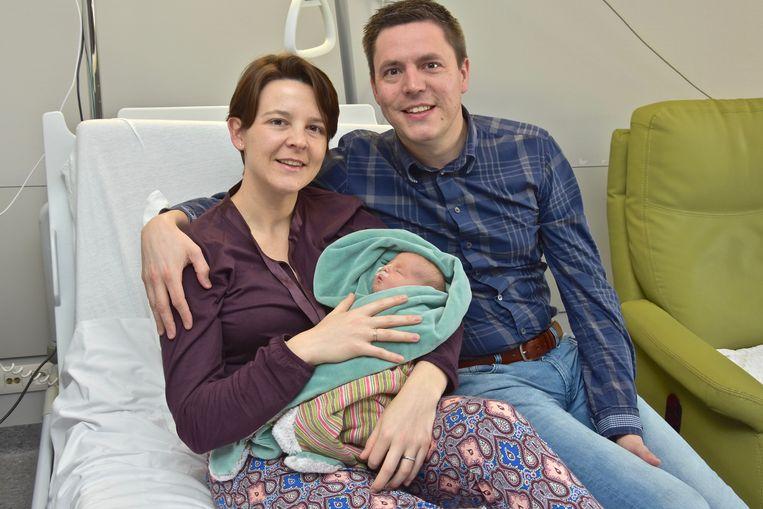 Bert Verhaeghe en Elke Wybaillie straalden van geluk toen Charlotte in het AZ Delta Menen werd geboren