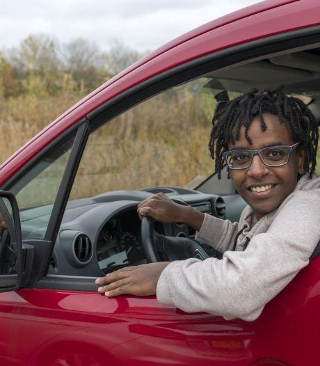 Met de auto naar de vuurwerkshow of na negatieve test de tent in om te feesten, Nunspeetse jongeren geloven in veilig vertier met oud en nieuw