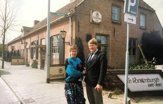 Jeanne en Theo Verbossen bij de start van d'n Vorstenburgh in 1982.