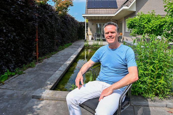 Wilfried van Dongen kreeg lintje vanwege zijn activiteiten voor Filmtheater Fanfare.