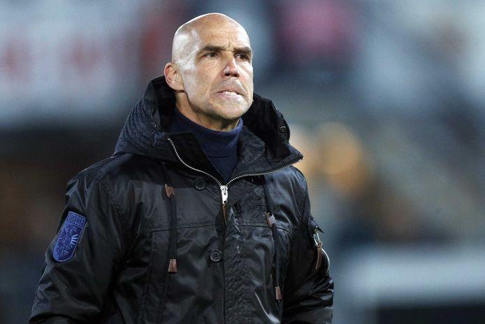 """Vitesse-trainer Thomas Letsch: ,,Veel duidelijker hands kun je niet hebben."""""""