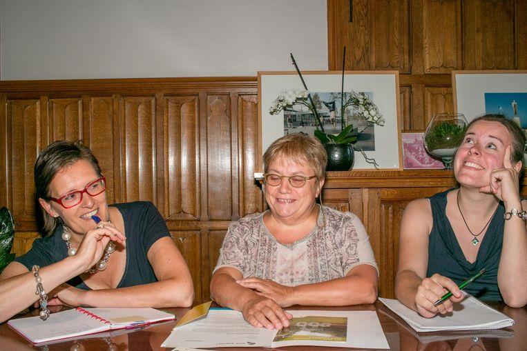 Christel Geerts, Mie Moerenhout en Sara Janssens testen alvast hun geheugen.