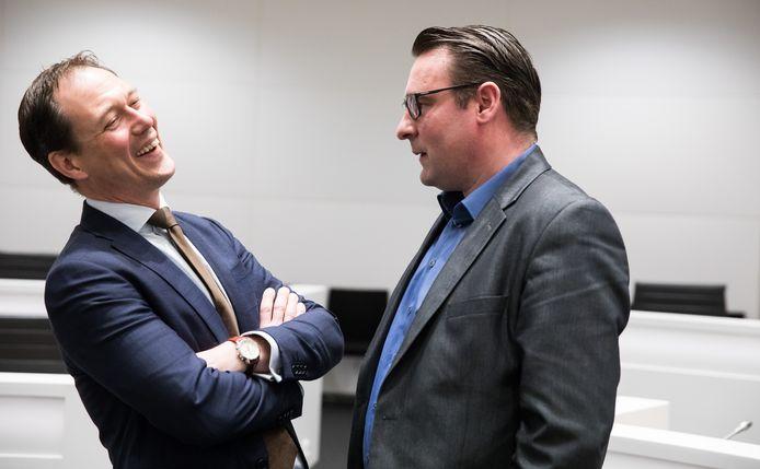 VVD-leider Boudewijn Revis en Richard de Mos (rechts).