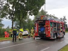 Automobilist zwaargewond bij ongeval op Kapitteldijk in Persingen, weg weer vrij