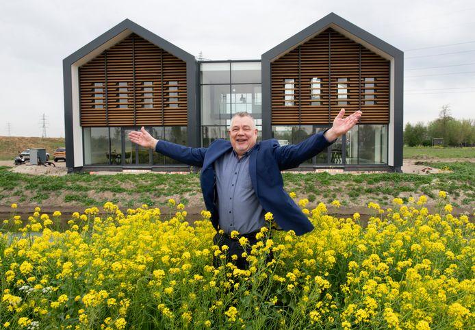 Goos Cardol bij het nieuwe Laanboomhuis in Opheusden