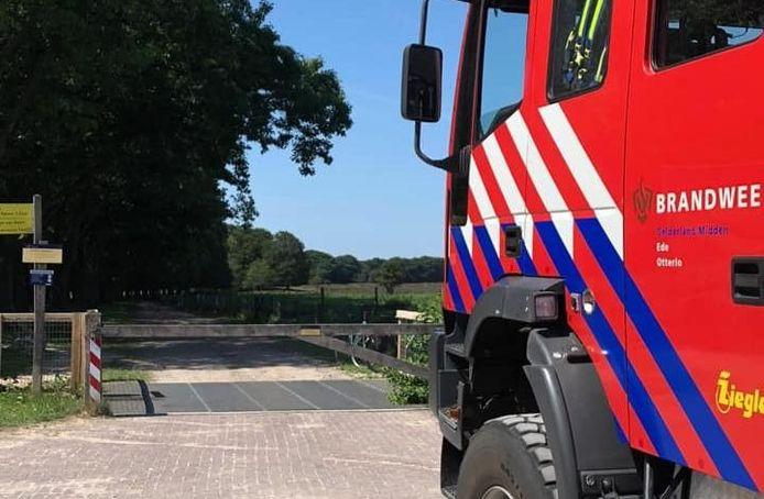 De brandweer heeft in Otterlo een vrouw gered die bekneld zat in een wildrooster.