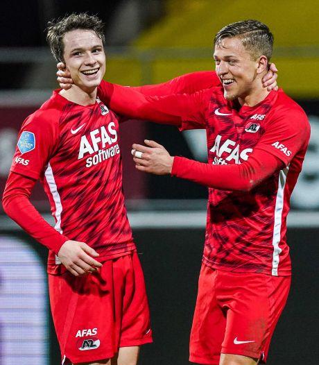 AZ wint afgetekend in Venlo en doet goede zaken in strijd om plek twee