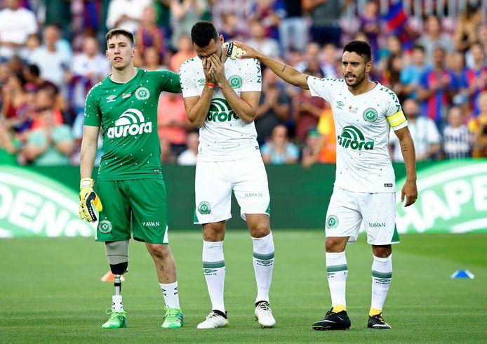 Follmann (links), Neto (midden) en Ruschel (rechts) voor de vriendschappelijke wedstrijd tussen FC Barcelona en Chapecoense in Camp Nou.