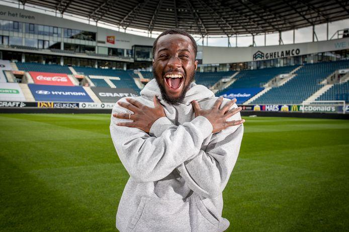 Elisha Owusu is de sterke man voor de verdediging bij AA Gent.