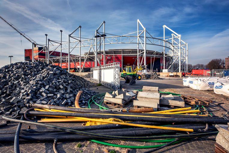 Het dak van het AZ-stadion in Alkmaar stortte in 2019 deels in. Beeld Raymond Rutting / de Volkskrant