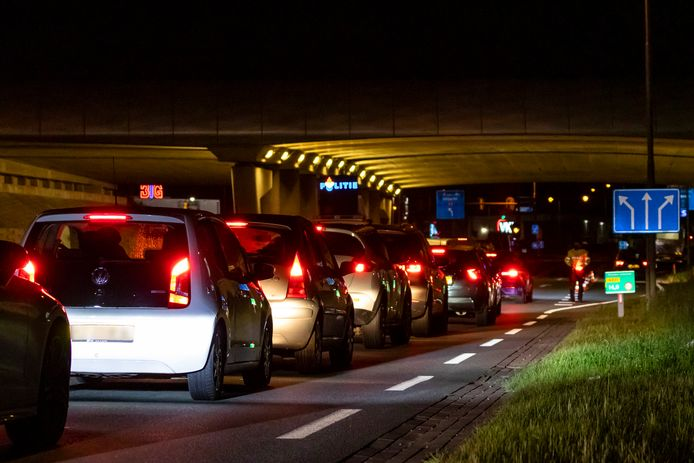 Sinds half mei werd in de weekenden bijna wekelijks het verkeer dat van de A2 kwam gecontroleerd.