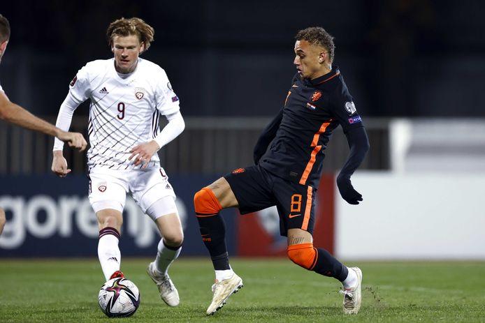 Noa Lang viel in de 62ste minuut in voor zijn debuut in Oranje.
