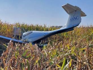 """Sportvliegtuigje geraakt net niet aan vliegveld Ursel, en maakt noodlanding in maïsveld: """"Piloot reageerde zeer rustig"""""""