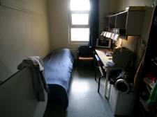 Grote zoektocht naar drugs en telefoons in gevangenis in Grave