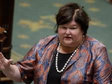 La Belgique pourra commencer à vacciner en mars, selon Maggie De Block