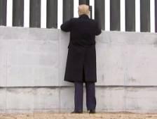 Trump signe le mur à la frontière du Texas