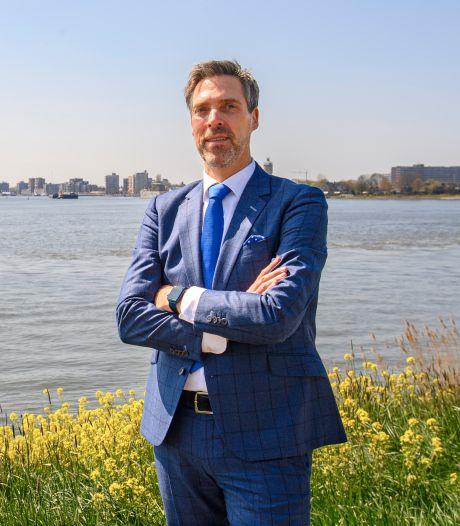 Nieuwe burgemeester van Moerdijk blikt terug op tijd in Papendrecht: 'De herinnering aan de stille tocht raak ik mijn leven niet meer kwijt'