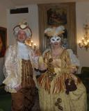 Conny en Jacques op het Venetiaanse feest.