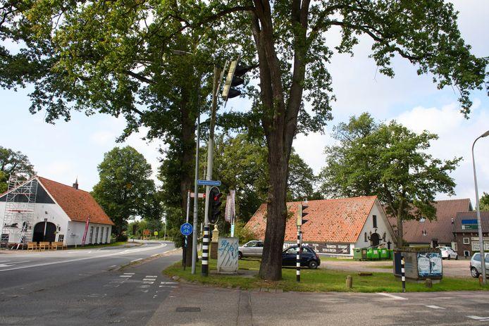 De  oude N18 tussen Usselo en Haaksbergen wordt vanaf maandag ingrijpend veranderd, inclusief het wegdek in de dorpskern Usselo.
