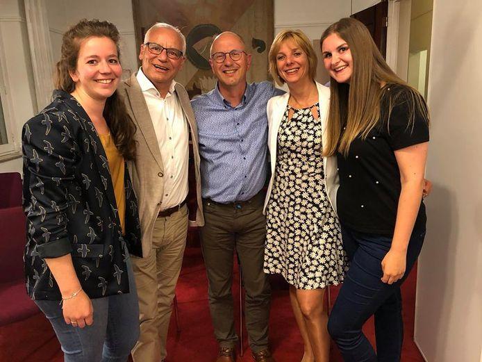 Fractie PrO in gemeenteraad van Oisterwijk (vlnr): Stefanie Vulders, Ruud van der Star, Jean Coumans (fractievoorzitter), Christel Heus en Myrte Hesselberth