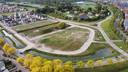 Het terrein aan de rand van het Máximapark (tegenover Castellum)  in Utrecht waar binnenkort een aantal zelfbouwkavels op wordt uitgegeven.