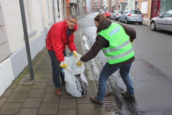 De buurtcomité in de weer in de Aalsterse straten.