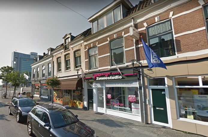 De zonnestudio aan de Damstraat in Utrecht, die gebruikt werd als dekmantel voor internationale drugshandel.