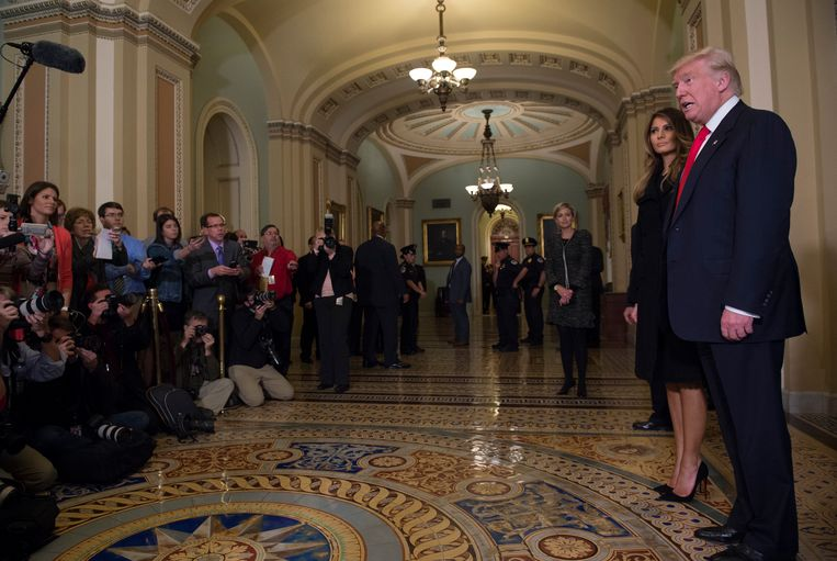 Donald Trump spreekt met de media in het Capitool, vorige week na zijn verkiezing tot president. Beeld AP
