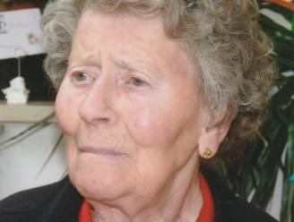 """Anna (97) bezweken aan corona: """"Sterke vrouw maar virus zorgde op twee dagen tijd voor het einde."""""""