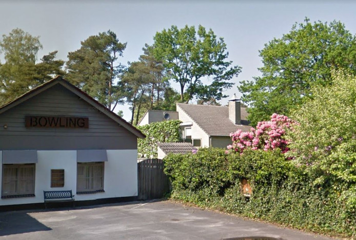 Op korte afstand van de bowling Net Iets Anders staat de bedrijfswoning van recreatiepark Albion.