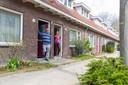 Nelly Jansen en Laurens Peters uit de Bakkerstraat in Eindhoven. De Gildebuurt moet stemmen over sloop/nieuwbouw of renovatie van 119 woningen van Wooninc.