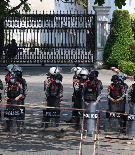 La junte birmane avertit les manifestants qu'ils risquent de mourir