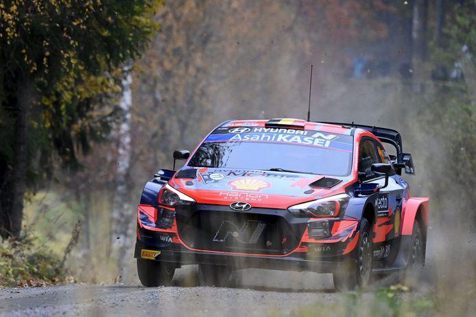 Thierry Neuville occupe la sixième place du Rallye de Finlande après la première journée.