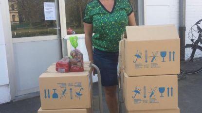 Sport- en Recreatiebad De Kouter doneert paaseieren aan De Lovie