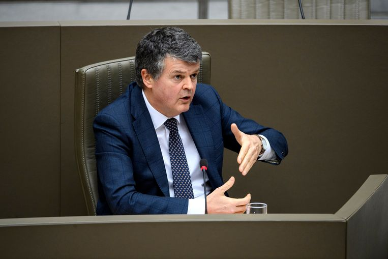 Minister van Lokale Besturen Bart Somers (Open Vld): 'Kleine samenwerkingen tussen gemeenten, zoals voor een zwembad, moeten mogelijk blijven.' Beeld Photo News